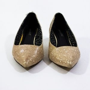 SuiteBlanco - Shimmery Gold Low Pumps